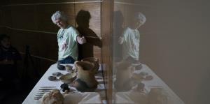 Rescatan más de 1,500 piezas tras el incendio del museo de Río de Janeiro