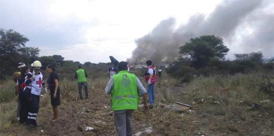 Un pasajero graba un video del preciso momento del accidente aéreo en México (horizontal-x3)