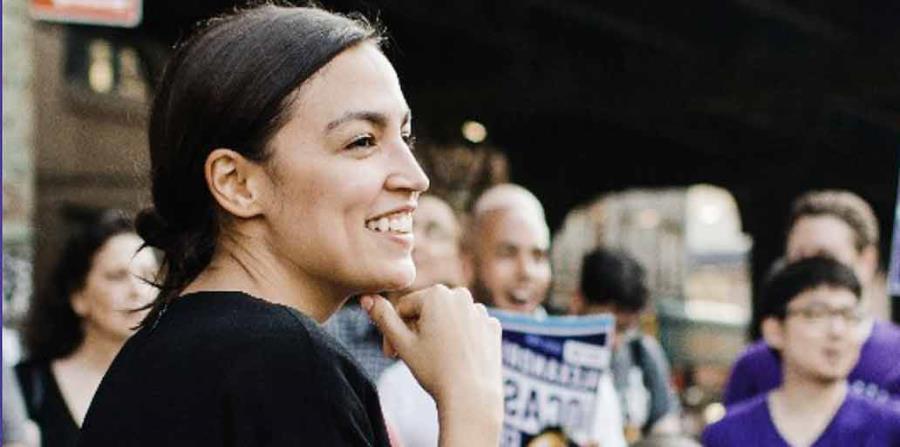 Alexandria Ocasio Cortez va a su primera elección. (Imagen tomada de la página de la candidata (horizontal-x3)
