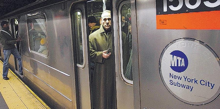 Esta zona está conectada con el centro de la ciudad por la línea de metro 7, conocida como el