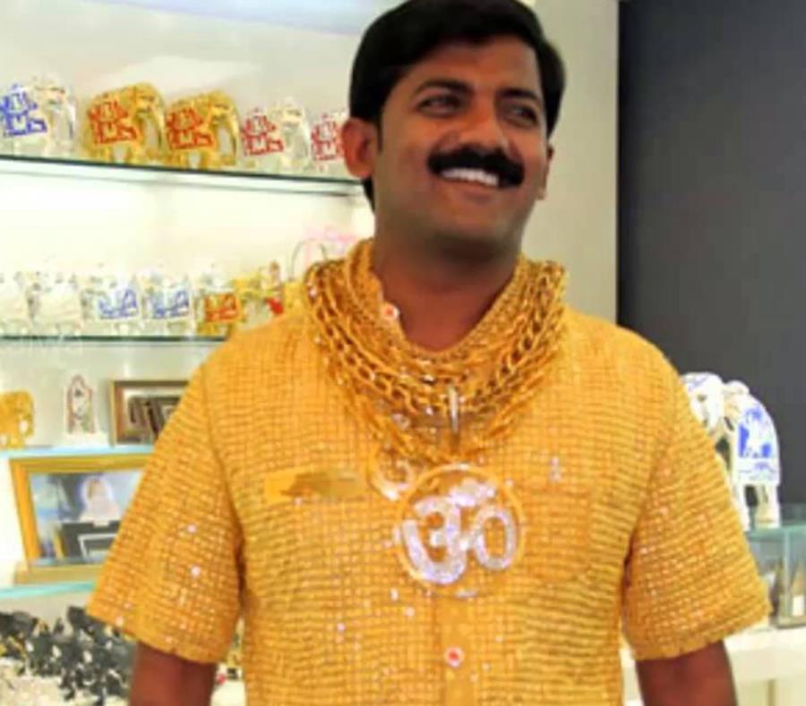 df908c0d4 Matan al dueño de la camisa de oro más cara del mundo | El Nuevo Día
