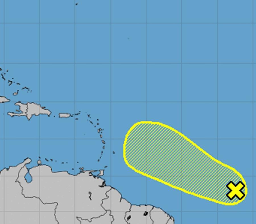 Mapa de posible trayectoria trazada por el Centro Nacional de Huracanes. (Captura / NOAA) (semisquare-x3)