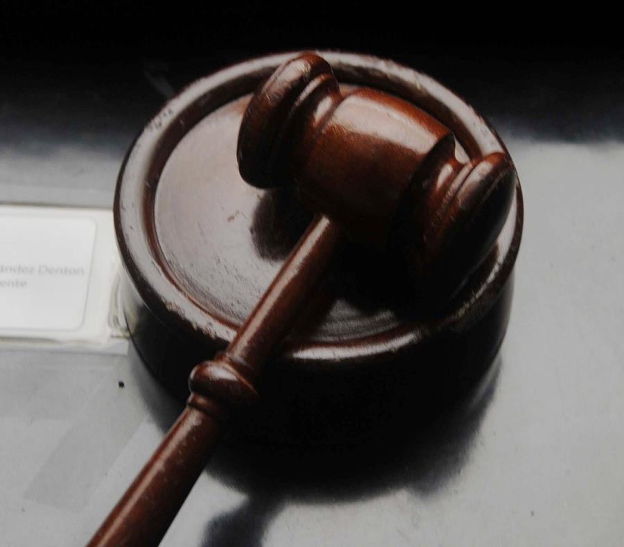 El juez Besosa acogió las sentencias recomendadas por la fiscalía federal, según el acuerdo al que llegaron con los dos acusados. (semisquare-x3)