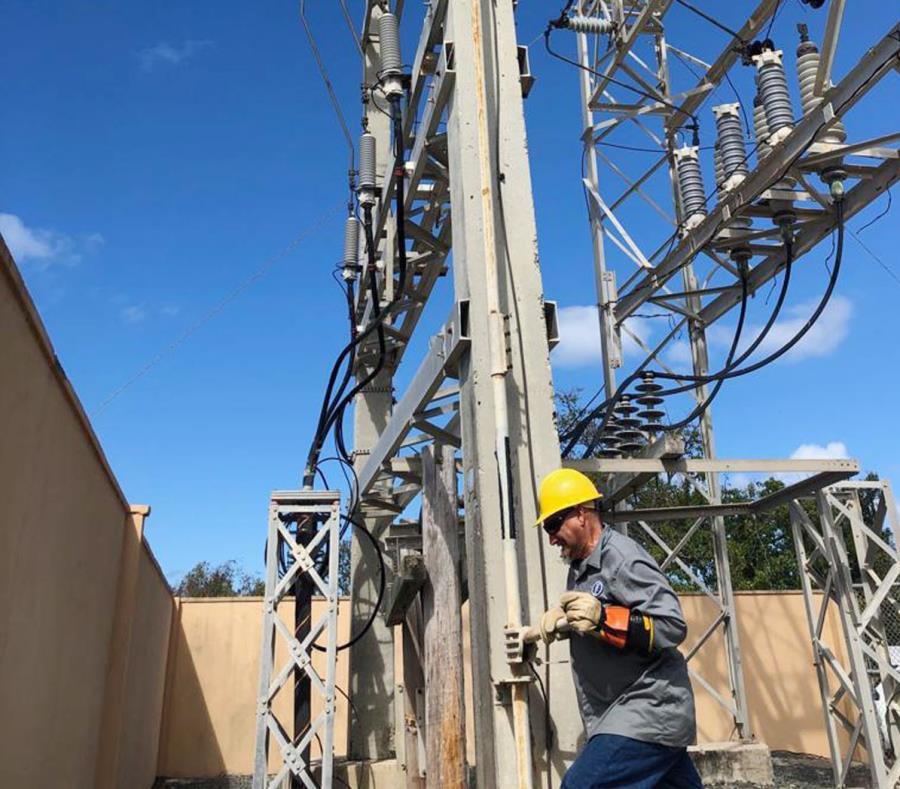 Para reforzar la línea de 38 kilovatios será reforzada con cuatro generadores de energía (semisquare-x3)