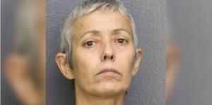 Una mujer de Florida mata a su madre a golpes por excluirla del testamento