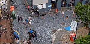 Mira cómo está el ambiente en las Fiestas de la Calle San Sebastián