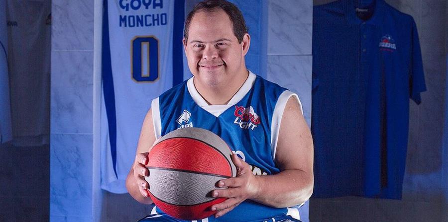 Moncho (horizontal-x3)