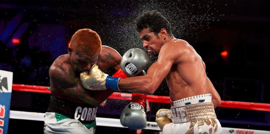 Al momento del nocaut, Alberto Machado (derecha) estaba claramente atrás en la pelea y había sobrevivido dos instancias en las que Corrales lo lastimó serio. (horizontal-x3)