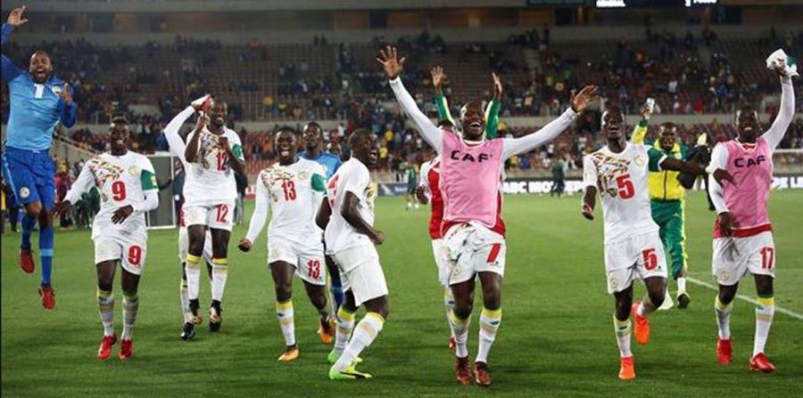 Senegal obtiene pase al Mundial de la FIFA 2018 al ganar polémico duelo (horizontal-x3)