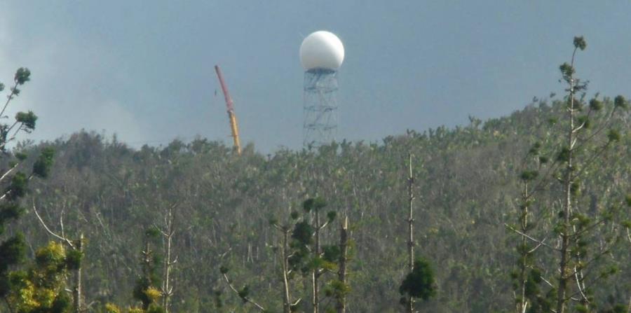 Fotografía publicada el pasado 30 de abril por NEXRAD Radar Operations Center, luego de colocar el domo en la torre que aguantará el radar Doppler. (Captura / Facebook @NEXRADROC) (horizontal-x3)