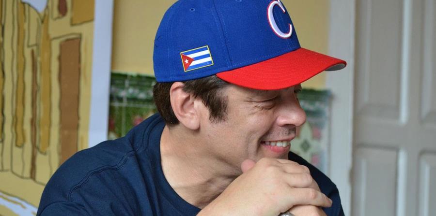 Benicio del Toro luce una gorra de Cuba. (Foto: FIC Gibara - ficgibara.com) (horizontal-x3)