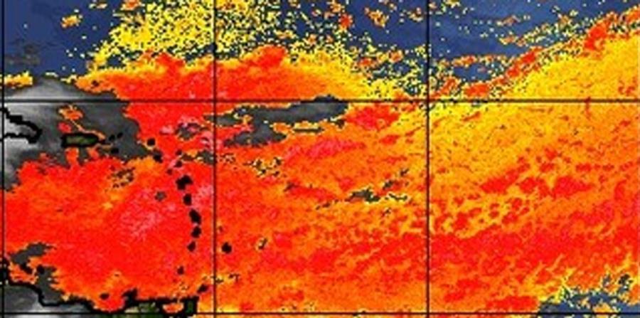 La intensidad del polvo del Sahara que viene en camino se percibe por el color rojo de la imagen del Saharan Air Layer. (Captura / tropic.ssec.wisc.edu) (horizontal-x3)