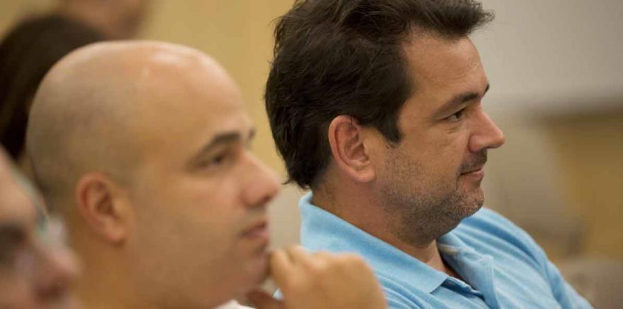 Miembros de la Junta de Gobierno del PPD han pedido a Héctor Ferrer (izq.) y a Roberto Prats (der.) que expliquen sus vínculos con la empresa de cabildeo y relaciones públicas DCI Group. (horizontal-x3)
