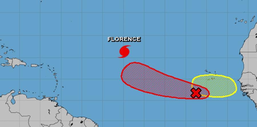 Mapa de trayectorias de los tres sistemas que se desarrollan al este de la zona del Caribe. (Captura / NOAA) (horizontal-x3)