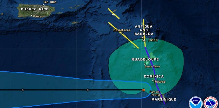 Proyección de la trayectoria de la tormenta Isaac, trazada por el Centro Nacional de Huracanes sobre un mapa satelital. (Captura / NOAA) (horizontal-x3)