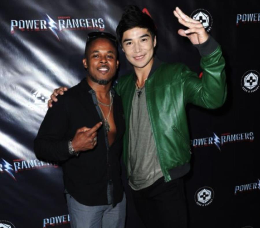 Walter Jones (izquierda) junto a Ludi Lin (derecha). (Lionsgate) (semisquare-x3)