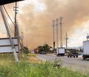 Reabren carretera entre Santa Isabel y Coamo tras un fuego forestal