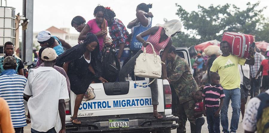 Image result for Haitianos apresados por autoridades de migracion dominicanas