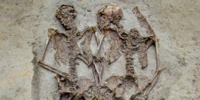 Resuelven el misterio que escondían dos esqueletos enterrados hace 1,500 años