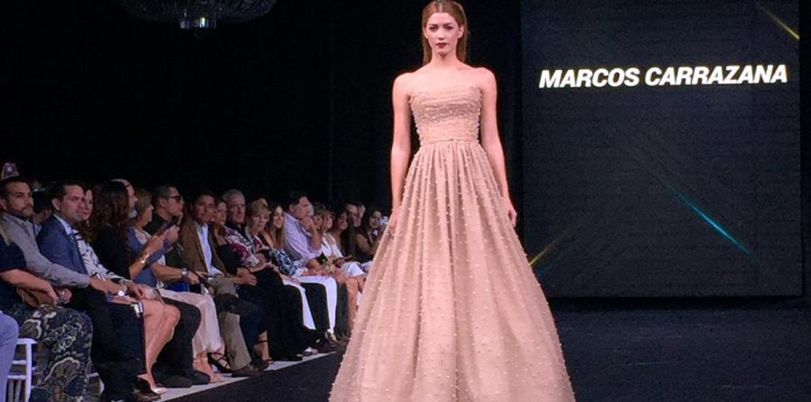 Un vestido de la colección de Marcos Carrazana. (horizontal-x3)