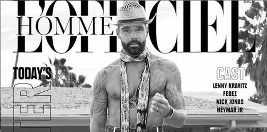 Ricky Martin aparece muy sensual en la portada de una revista