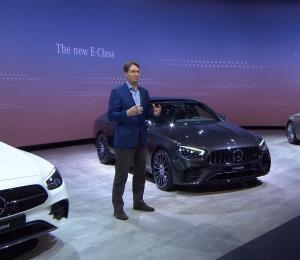 Presentan nuevos autos virtualmente