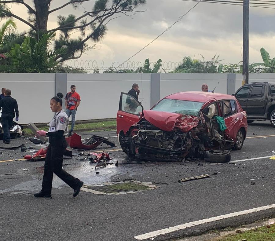 Un hombre salió expulsado del vehículo tras el impacto (semisquare-x3)