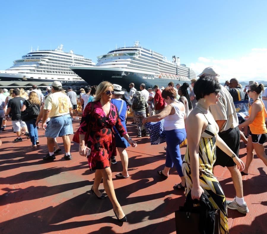 Cada barco que atraca en la isla genera una inversión anual que fluctúa entre los $350,000 y los $500,000 (semisquare-x3)
