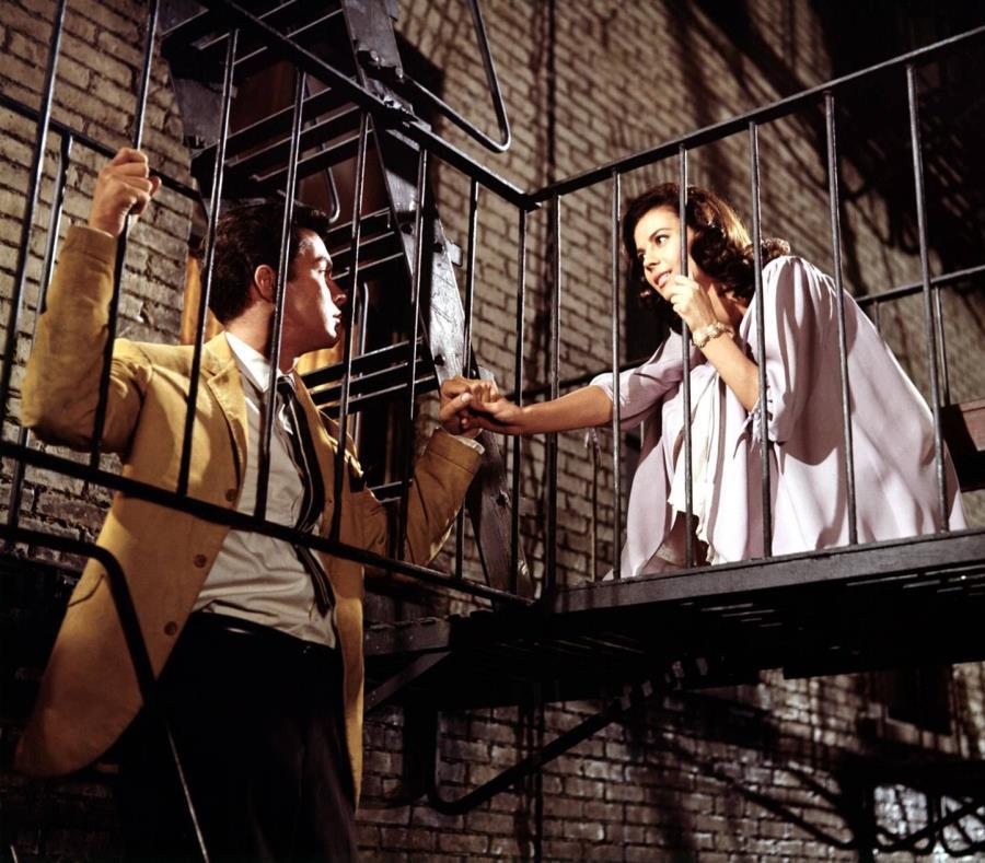 La primera adaptación al cine, estrenada en 1961, obtuvo 10 premios Óscar, incluyendo el de Mejor Película y Mejor Director, así como el Óscar a la Mejor Actriz Secundaria para la puertorriqueña Rita Moreno. (GFR Media) (semisquare-x3)