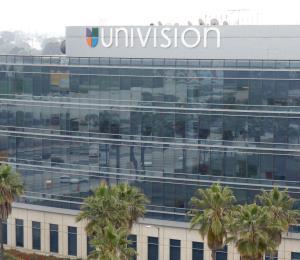 Los dueños de Univision venderían la cadena de televisión a un exempleado de Viacom