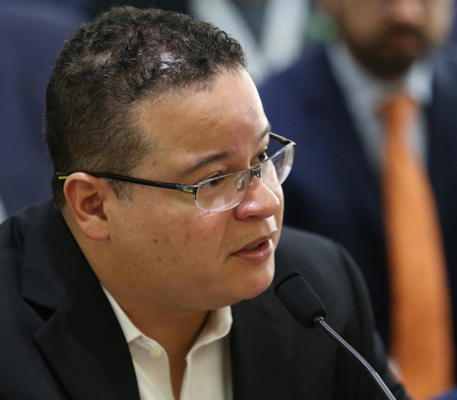 Víctor Ramos, presidente del Consejo Interdisciplinario de Colegios y Asociaciones Profesionales (semisquare-x3)