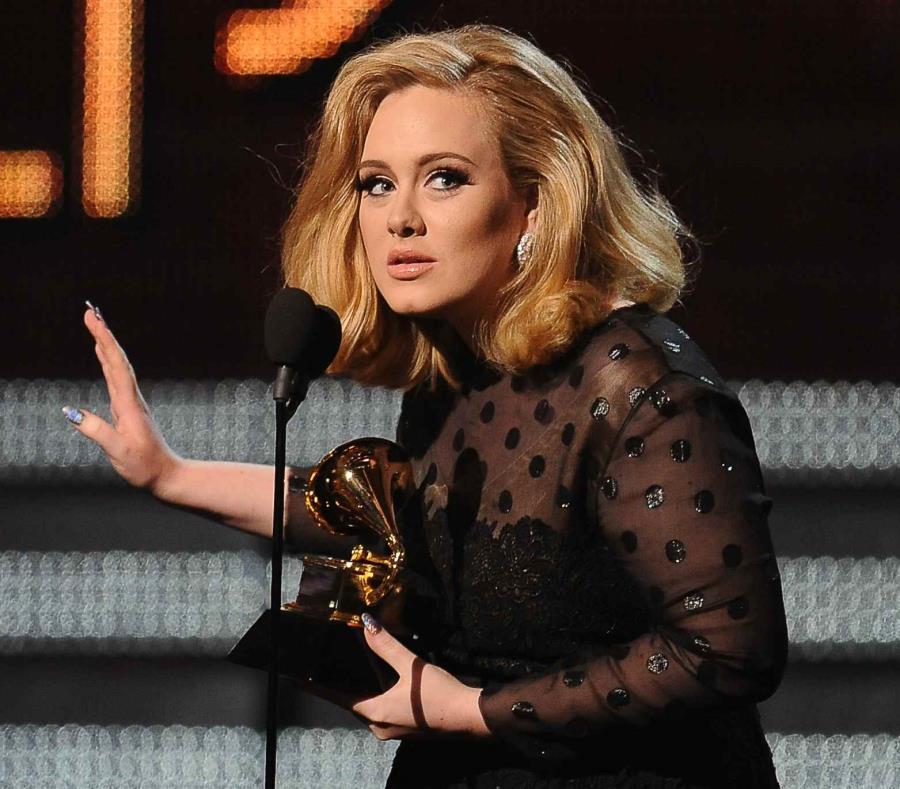 Adele se casó con Simon Konecki en una ceremonia secreta. (GFR Media) (semisquare-x3)