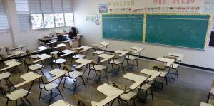 La Junta de Supervisión Fiscal cuestiona los ahorros generados por el cierre de escuelas
