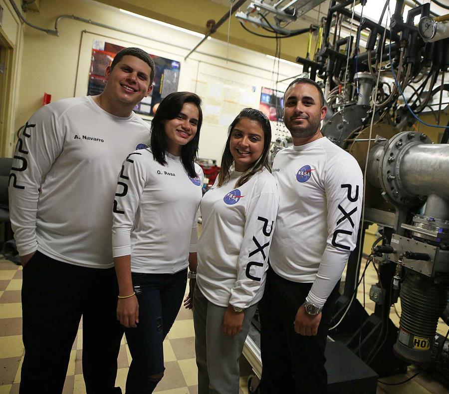 """Adalberto Navarro, Gyneliz Rosa, Rosana Maymí y Edwin Cuadrado son cuatro de los integrantes del """"Team Puerto Rico Excavation Unit"""". (semisquare-x3)"""