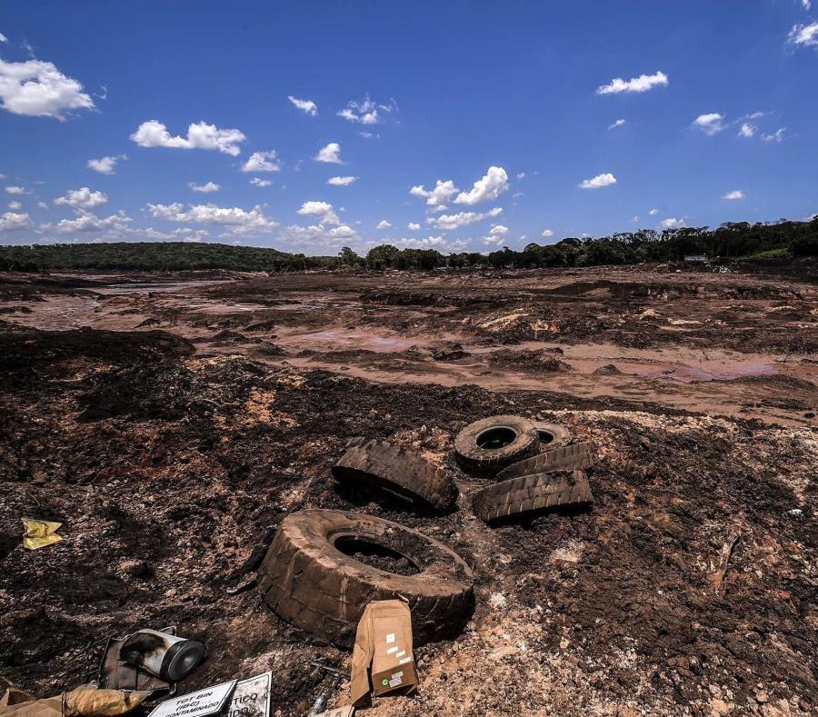 Vista de los desastres causados por la ruptura de la represa de Vale, en Brumandinho, Brasil (semisquare-x3)