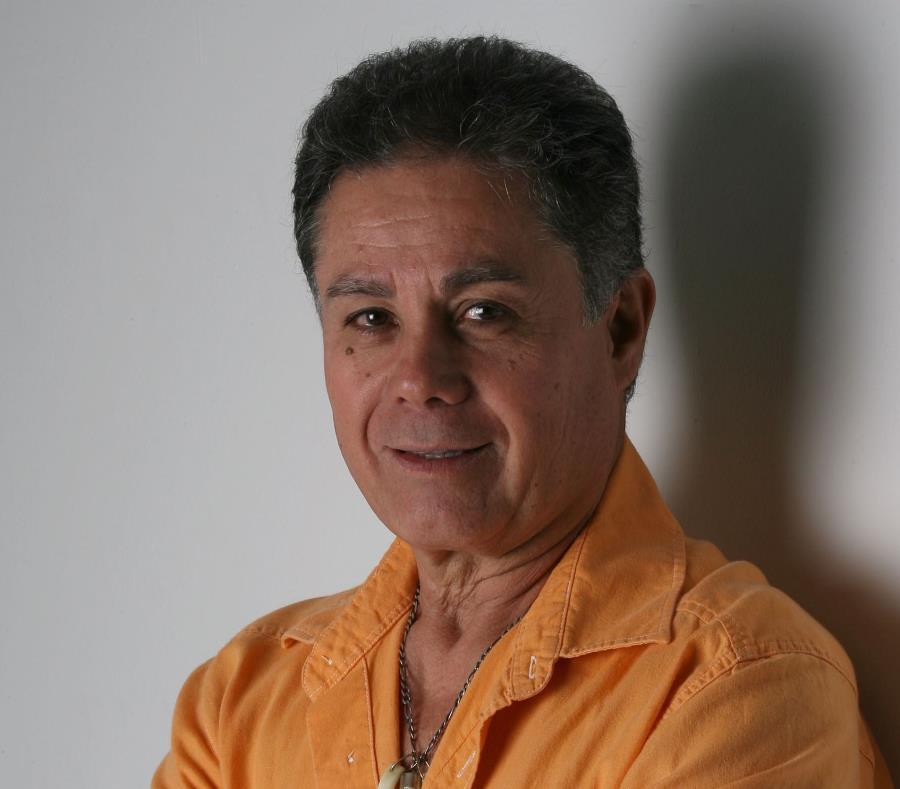 Leonel Vaccaro se va a presentar este viernes 15 de febrero, en el Café Teatro Puntofijo, en el Centro de Bellas Artes de Santurce, a las 8:00 p.m. La entrada libre de costo. (semisquare-x3)