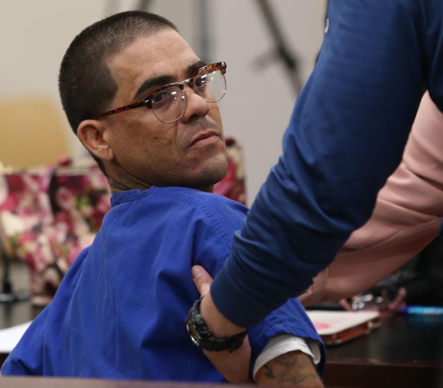 Sánchez Martin enfrenta cargos por asesinato, violaciones a la Ley de Armas y Sustancias Controladas (semisquare-x3)