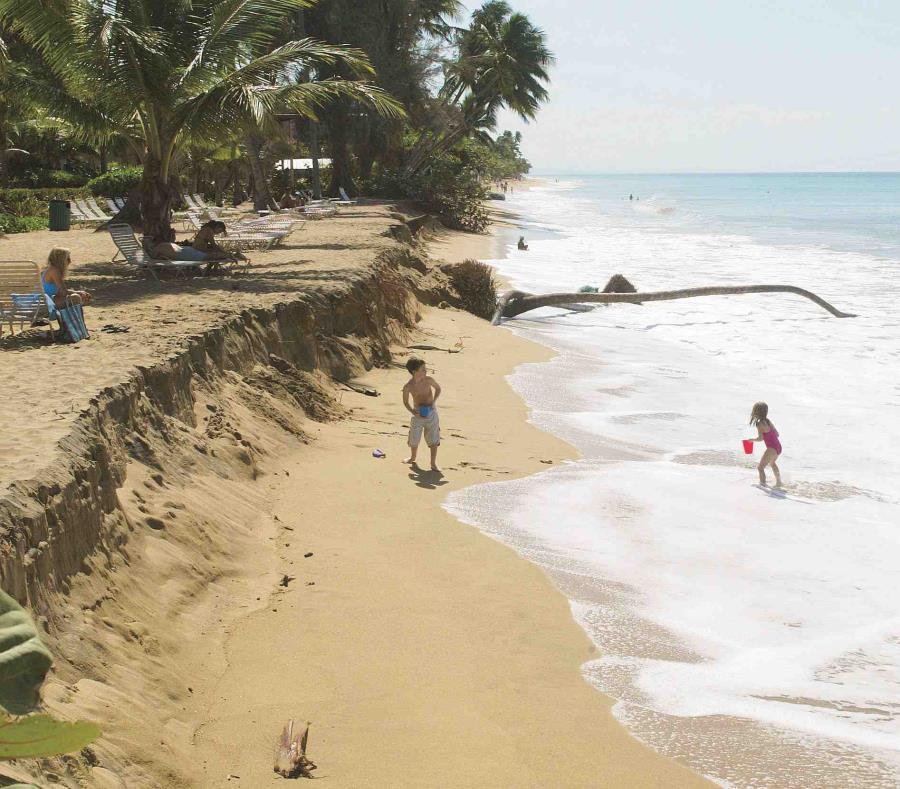 La iniciativa coloca especial énfasis en las playas de Rincón (arriba), Aguada y Aguadilla. (GFR Media) (semisquare-x3)