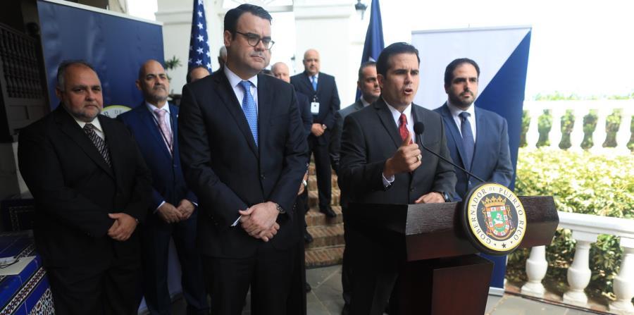 El gobernador anuncia el acuerdo de reestructuración para el Banco Gubernamental de Fomento. (horizontal-x3)
