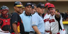 Se resuelve el tranque entre la Federación de Béisbol y los árbitros