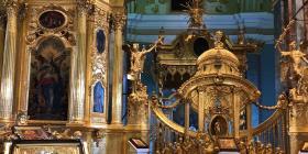 De visita en la tumba de los zares en San Petersburgo