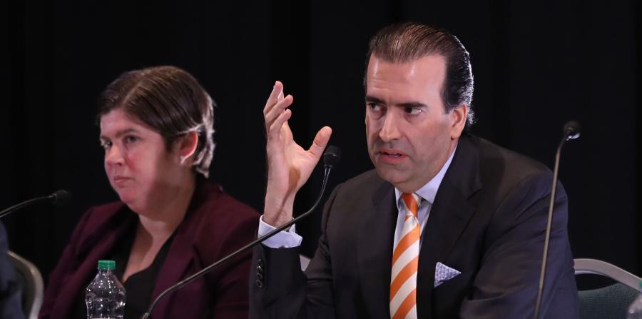 En la foto José Carrión, presidente de la JSF, junto a Ana Matosantos (horizontal-x3)