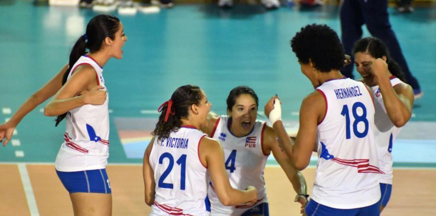 Las jugadoras de la Selección celebran durante el partido contra Cuba. (Cortesía Confederación Norceca) (horizontal-x3)