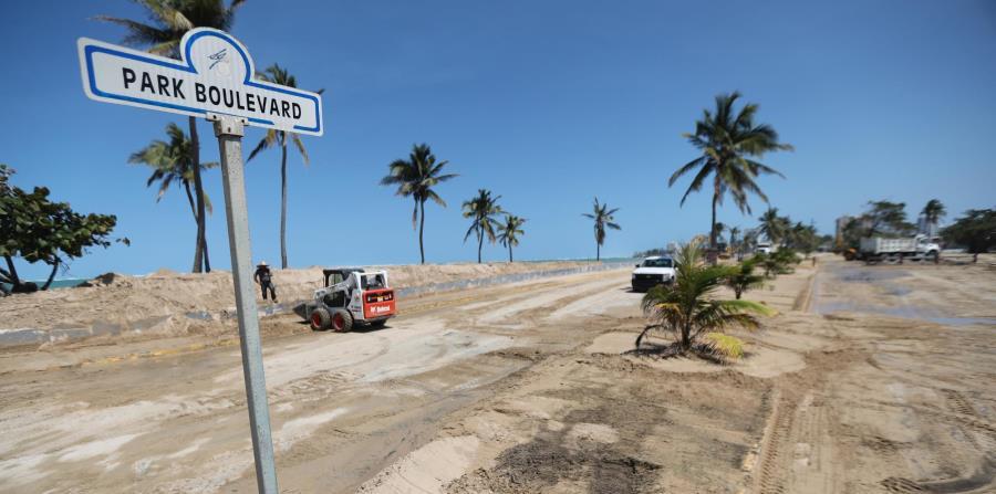 La marejada que, en marzo,  afectó a Ocean Park, en San Juan (arriba), es una de las consecuencias del calentamiento global. (GFR Media) (horizontal-x3)
