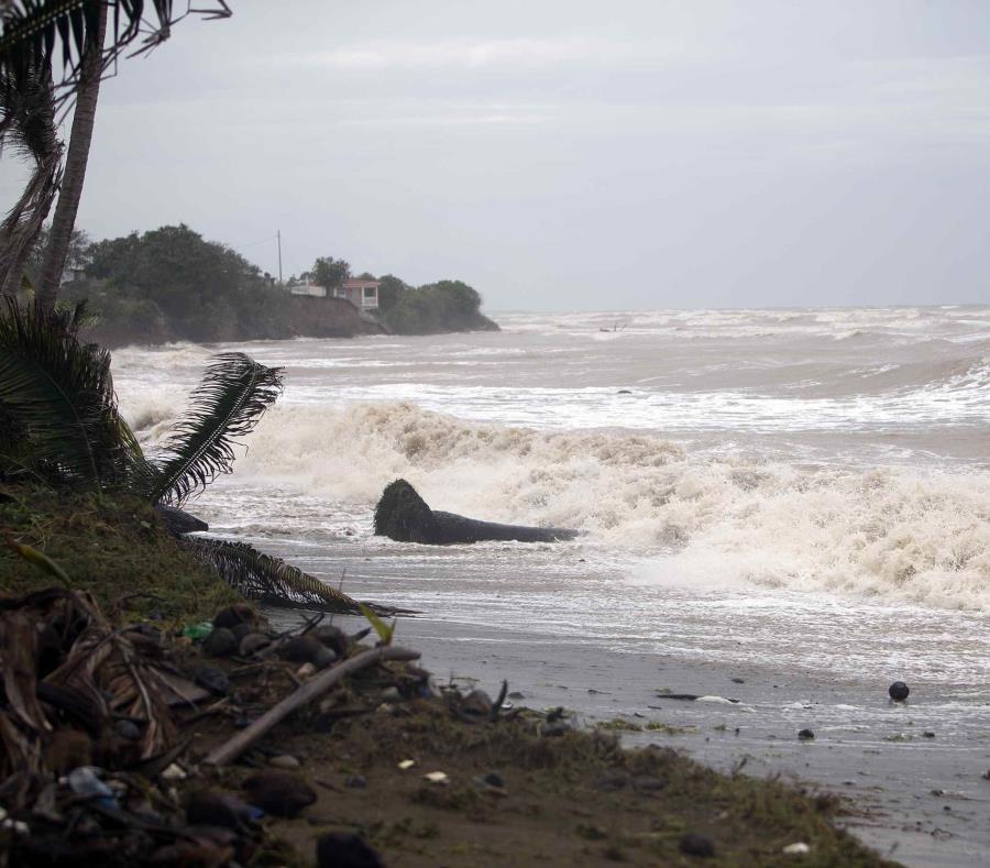 Trump responde a críticas sobre respuesta al huracán ''María'' en Puerto Rico