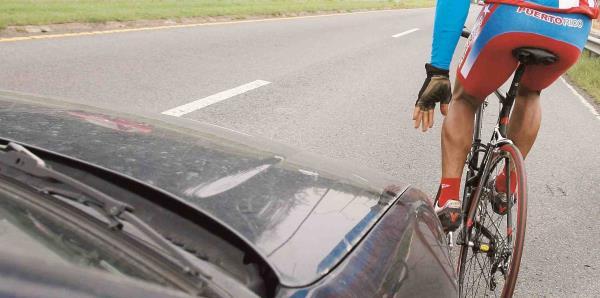 Un auto atropella a 14 ciclistas en Florida