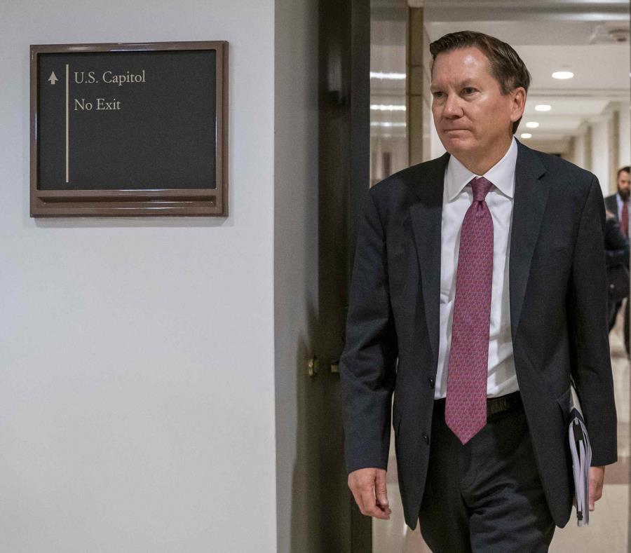 Trump vincula el despido de inspector con el juicio político
