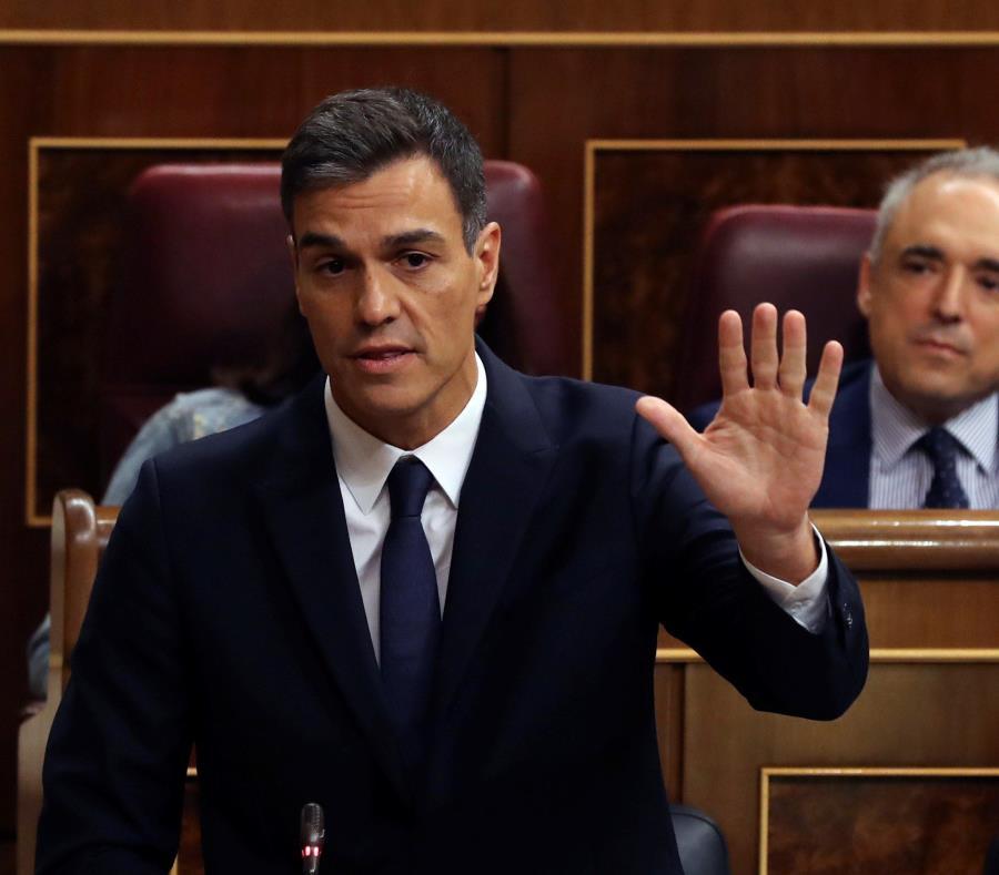 El gobierno español admite que el presidente plagió textos, pero que fue