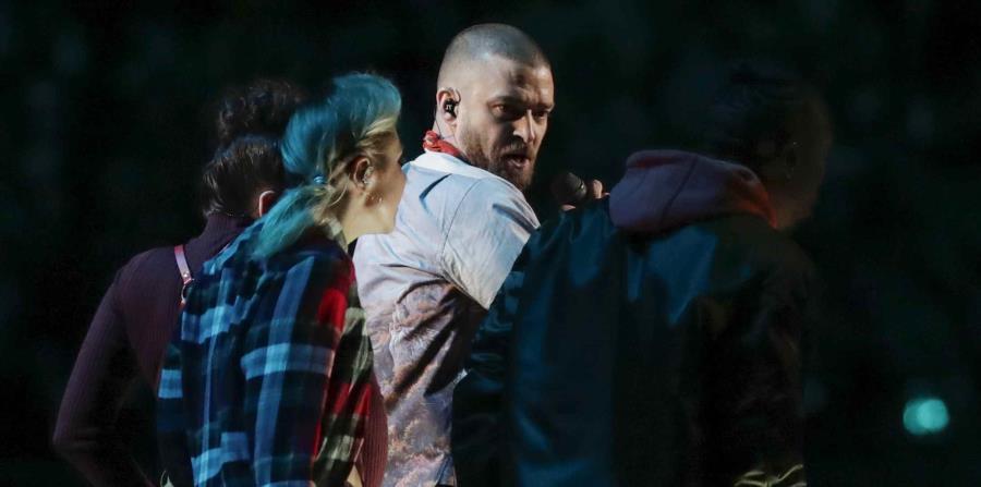 Justin Timberlake durante su presentación en el medio tiempo del Super Bowl. (AP / Tony Gutiérrez) (horizontal-x3)