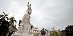 Estados Unidos prohíbe vuelos charter a nueve ciudades cubanas